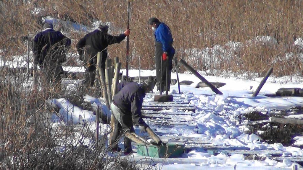 雪原の工事